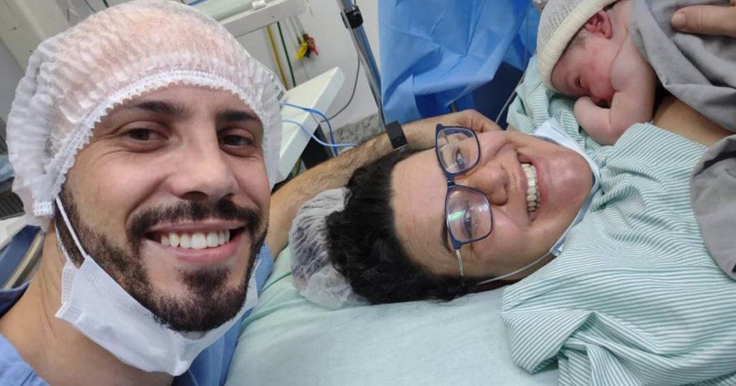 selfie pai nascimento filha