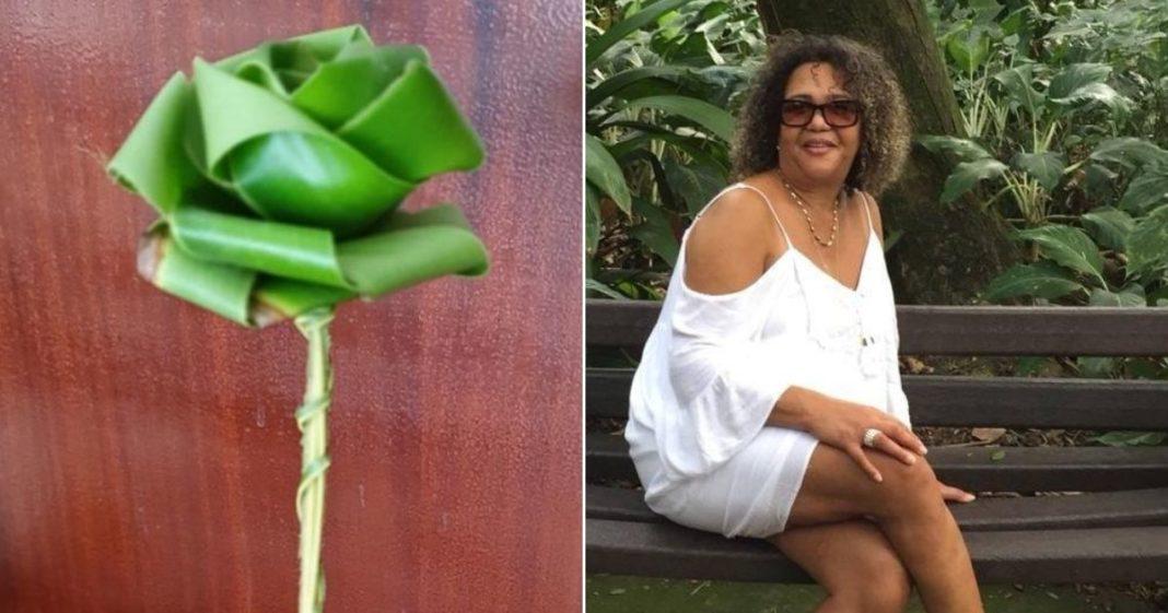 flor feita por homem e mulher posando foto