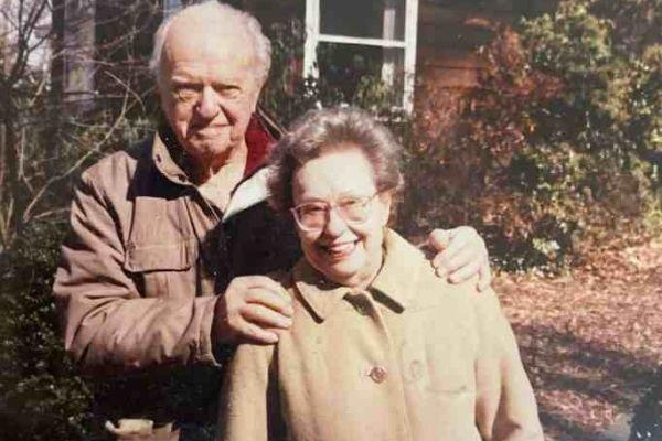 Charles e Kathleen Timblin cuidaram da filha da ajudante como se fosse sua