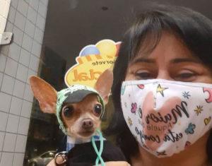 Dona com cachorro