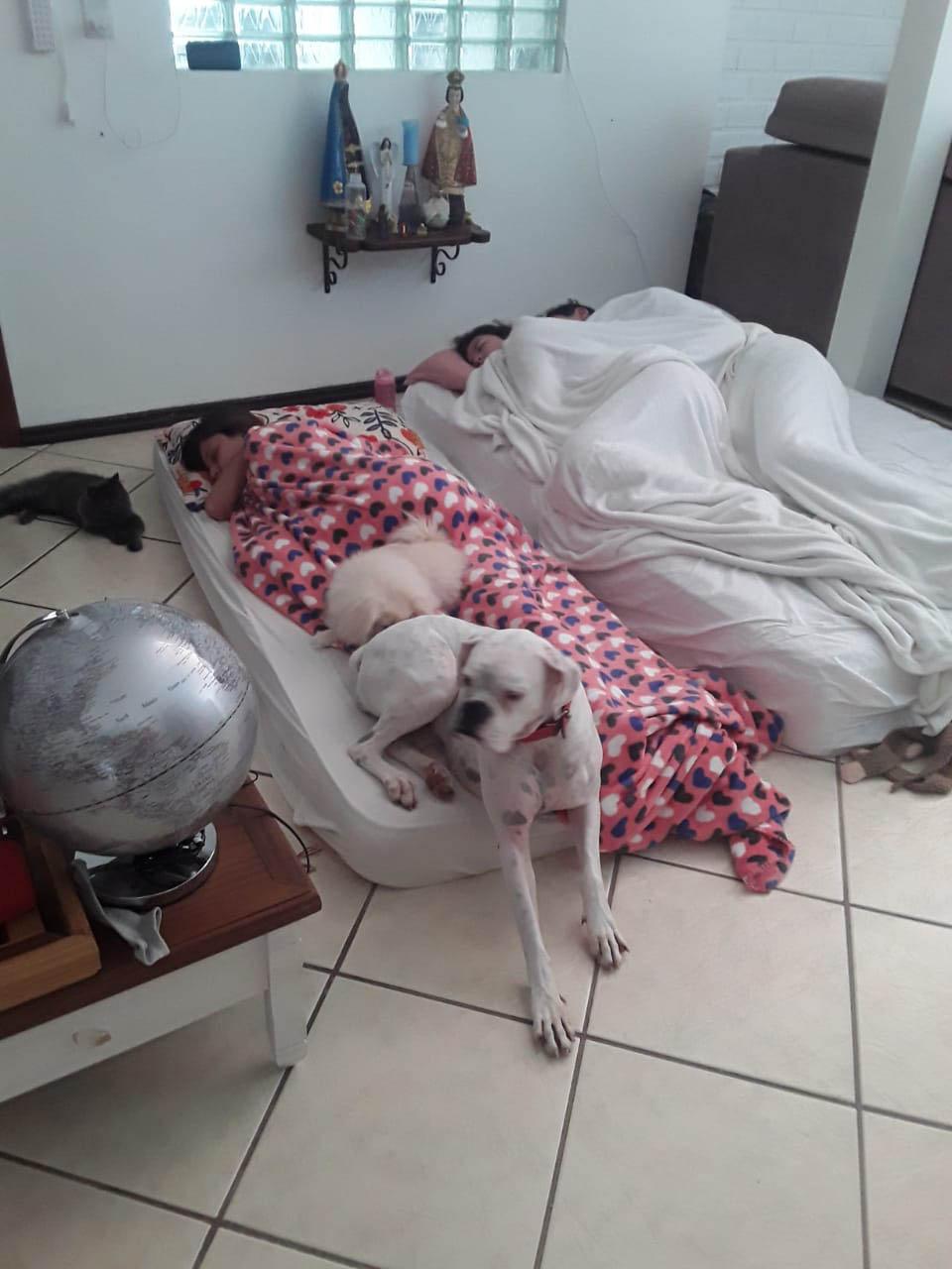 ex-alunas dormem casa professora luto morte filho