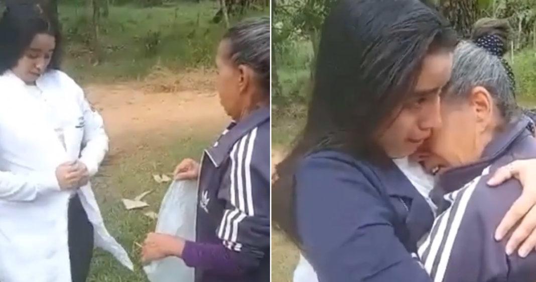 filha surpreende mãe jaleco médica veterinária