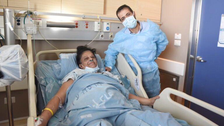 médico ao lado mulher árabe recebeu rim judeu morto conflitos palestina israel