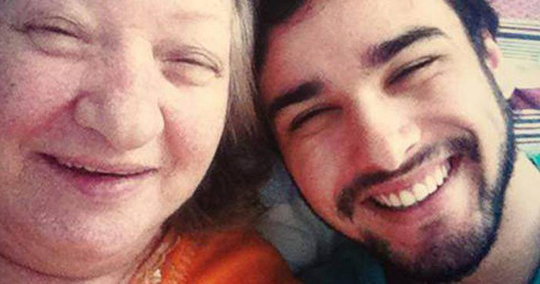 selfie neto avó alzheimer sorrindo
