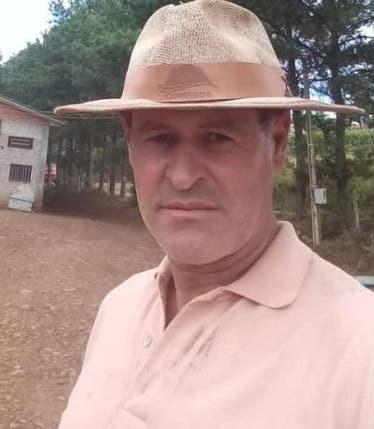 selfie pedreiro casa campo