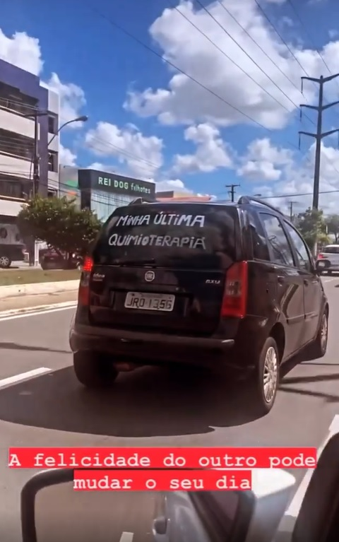 motorista parabeniza mulher última quimio