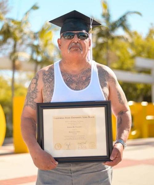 homem passou 30 anos prisão conquista diploma