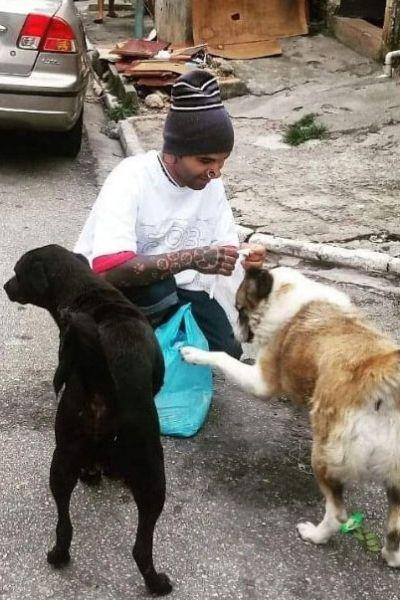 Adriano Lemos vence reality show para ajudar animais de rua