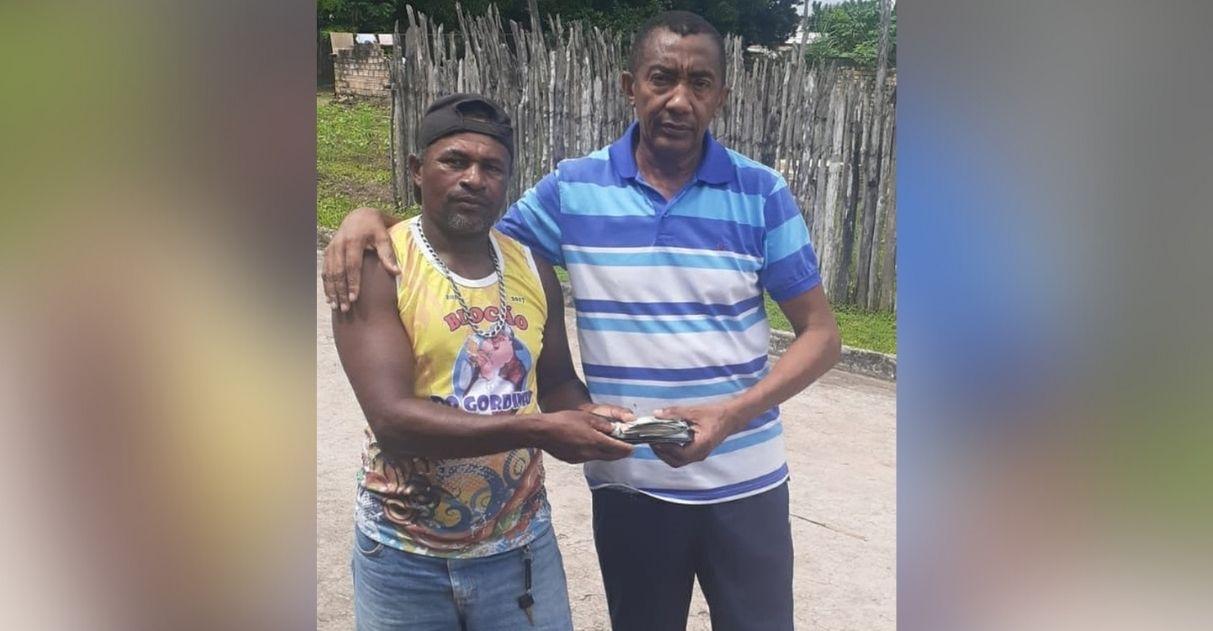 lavrador encontra devolve carteira dono