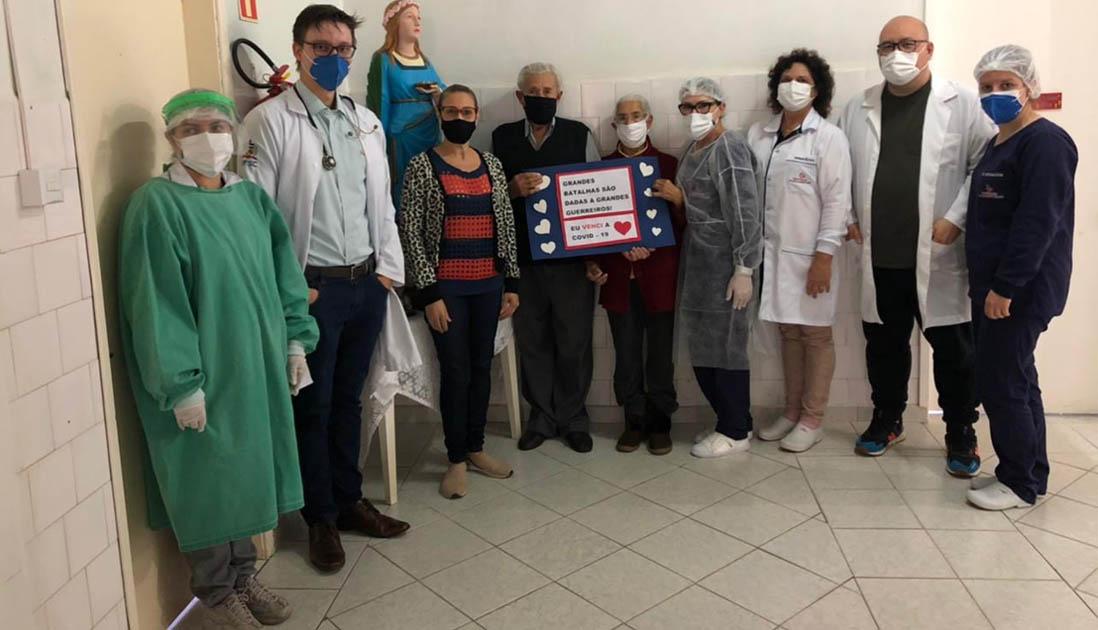 equipe médica pacientes hospital