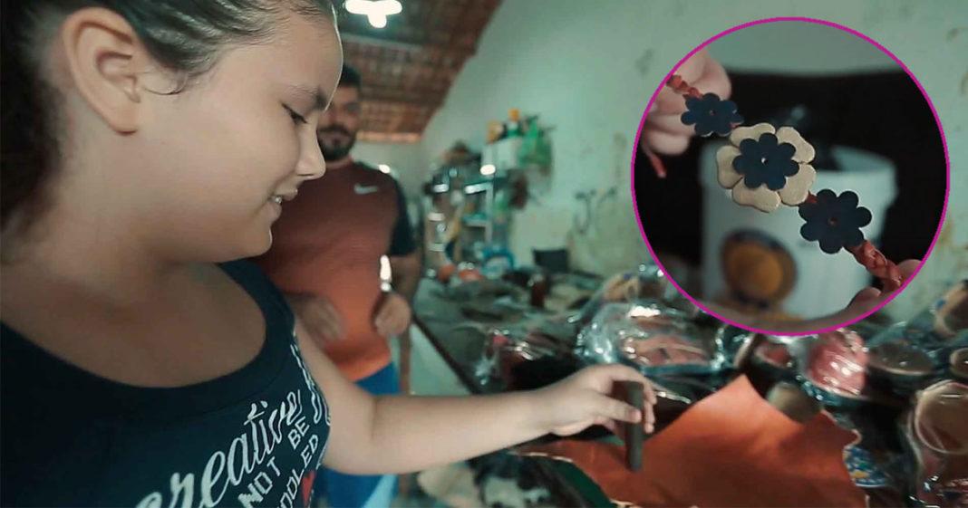 menina fura retalho couro confecção pulseira