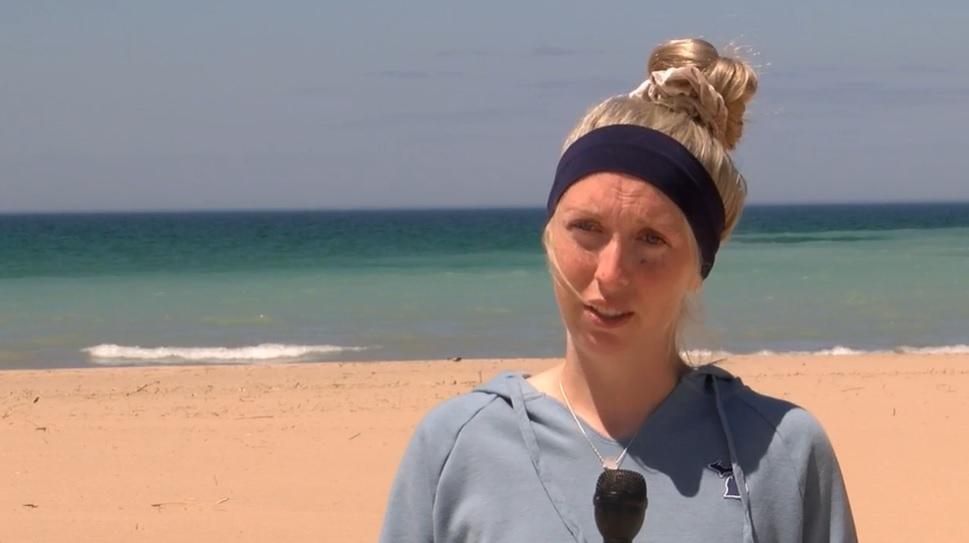 mulher grávida resgata crianças afogamento