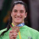 Judoca Mayra Aguiar supera cirurgia no joelho e faz história ao conquistar bronze no Japão