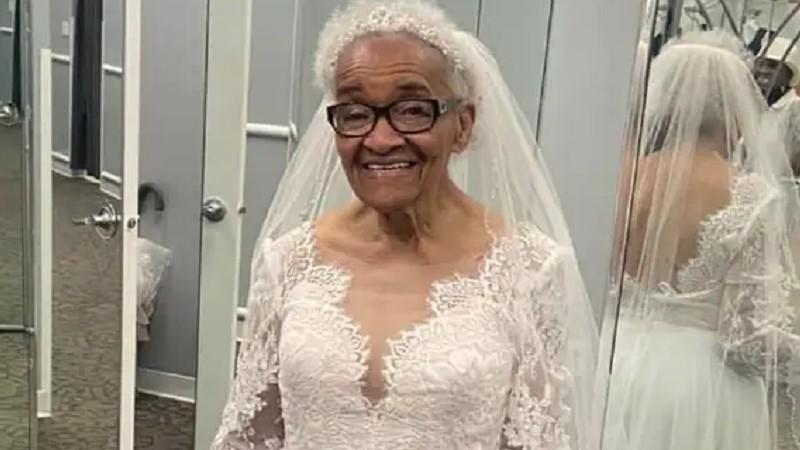 idosa negra realiza sonho se vestir noiva após proibição