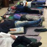 Igrejas e metrô vão ficar abertos para abrigar moradores em situação de rua contra o frio em SP