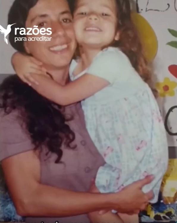 filha reencontra mãe após 3 anos separadas