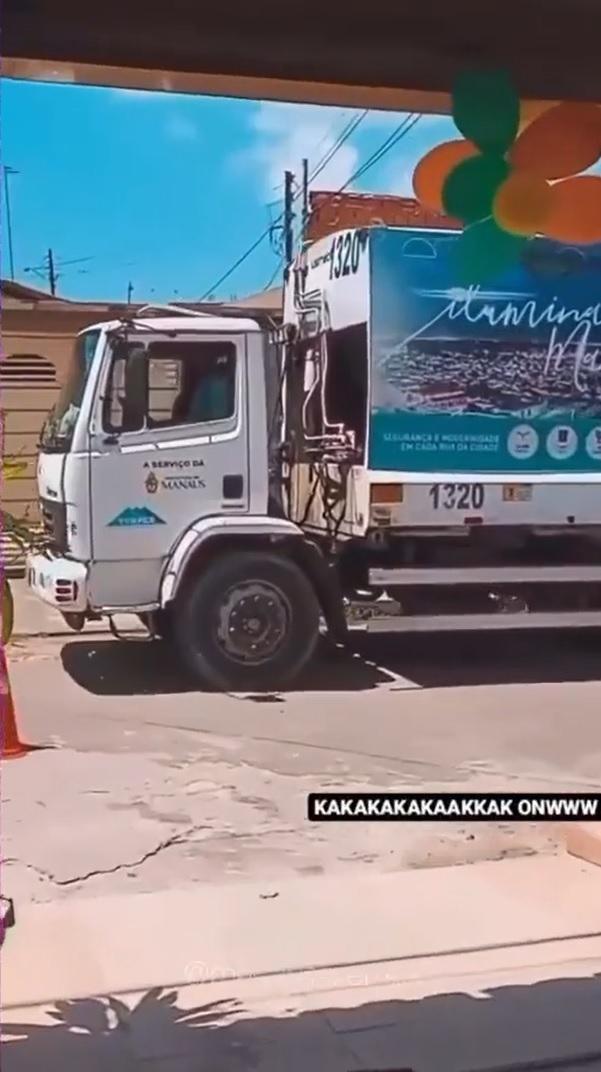 menino pede festa aniversário com tema do caminhão do lixo