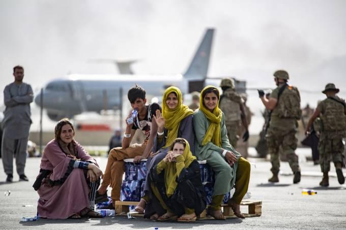 airbnb oferece acomodação gratuita 20 mil refugiados afeganistão