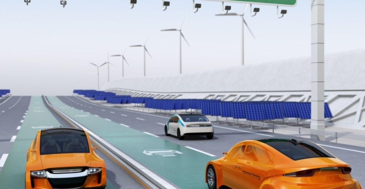 rodovia recarrega veículos elétricos em movimento