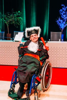 estudante paralisia cerebral conquista diploma jornalismo