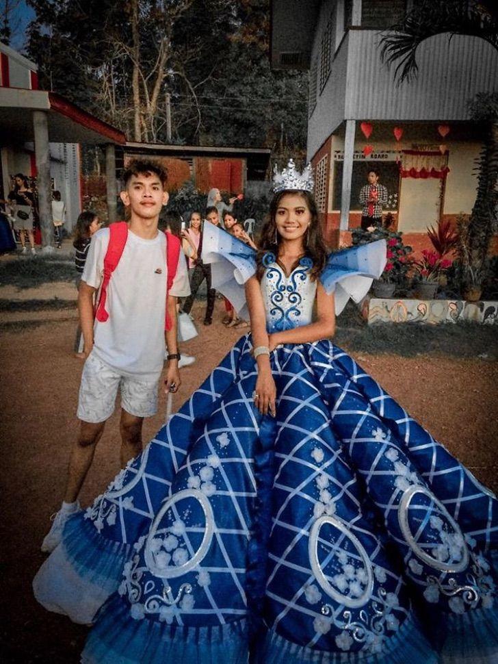 irmão cria vestido irmã usar baile formatura escola