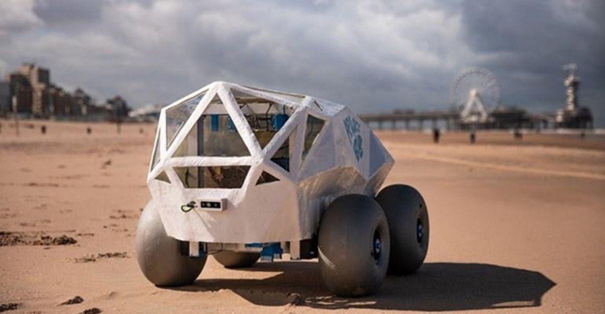 engenheiros criam mini-robô retira bituca praias