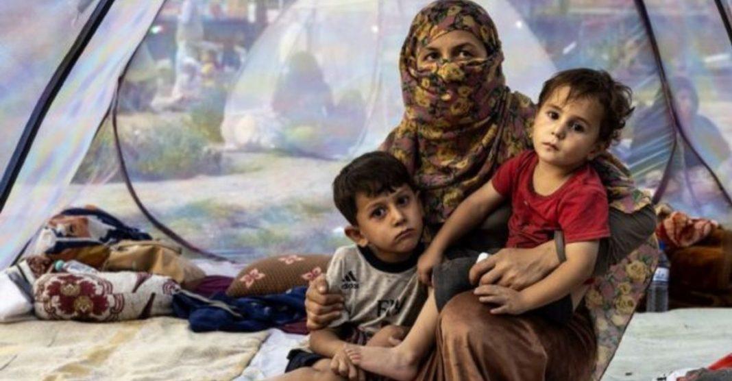 vaquinha arrecada milhões resgatar afegãos ameaçados talibã