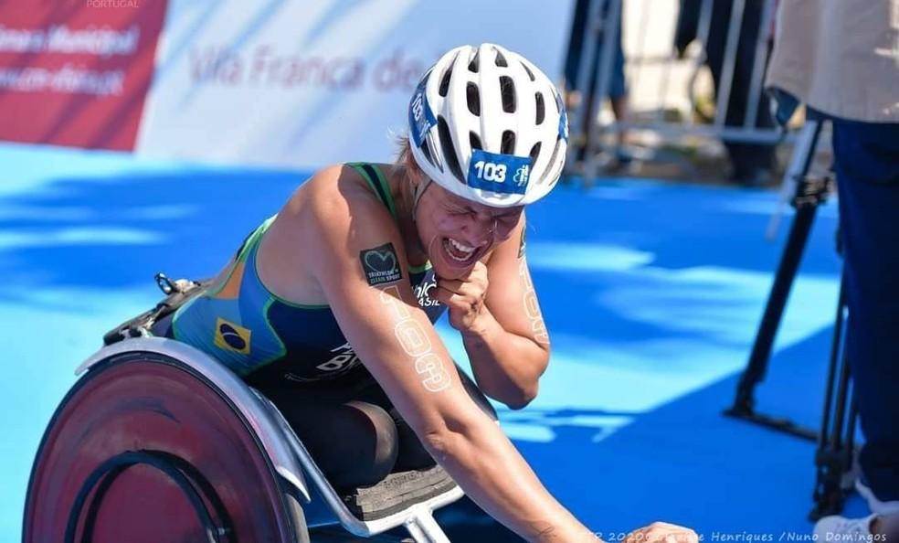 triatleta supera amputacoes e queimaduras para disputar paralimpíadas tóquio