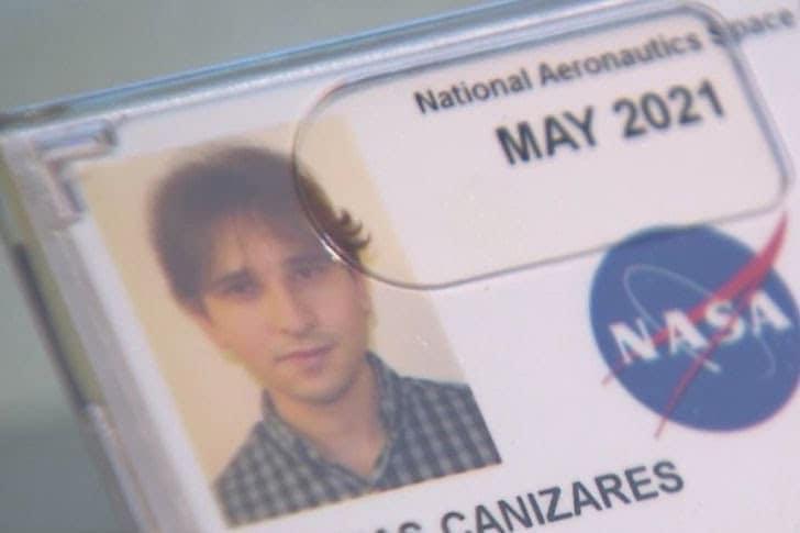jovem imigrante cubano contratado pela nasa
