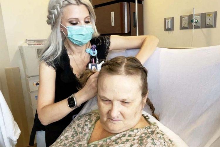 enfermeira escova cabelo pacientes dias de folga