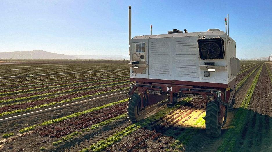 robô equipado laser alta potência remove ervas daninhas