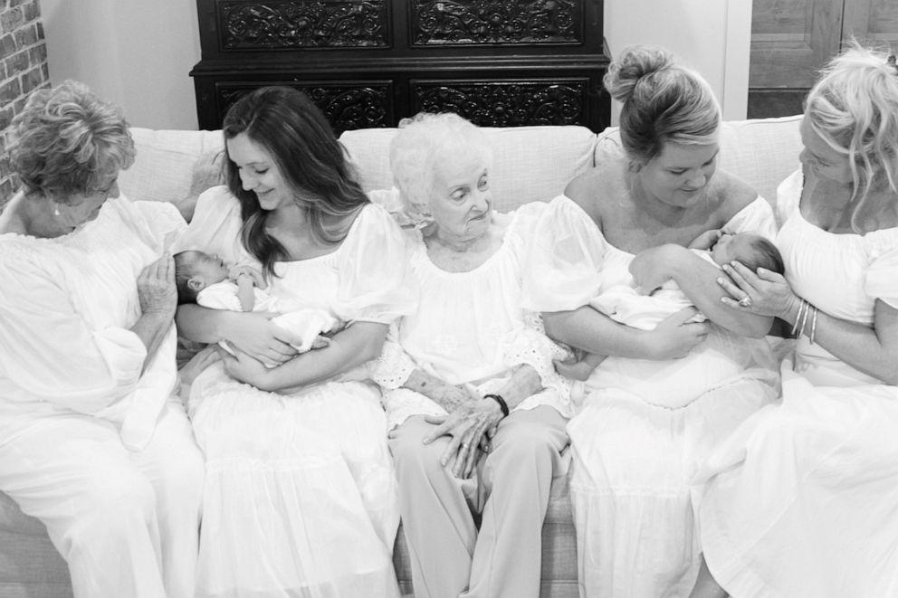 irmãs grávidas dão a luz mesmo hospital mesmo dia
