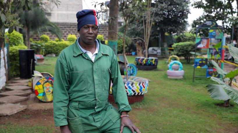 queniano transforma lixão em jardim
