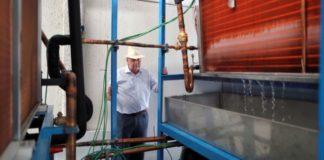 engenheiro idoso cria máquina produz água no deserto