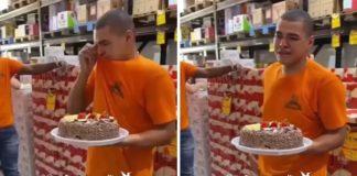 jovem emociona receber bolo aniversário colegas empresa
