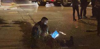 bombeiro lê livro menina após acidente de carro